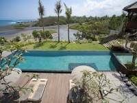 Image for Villa Ambra 5 bedroom beachfront home for rent